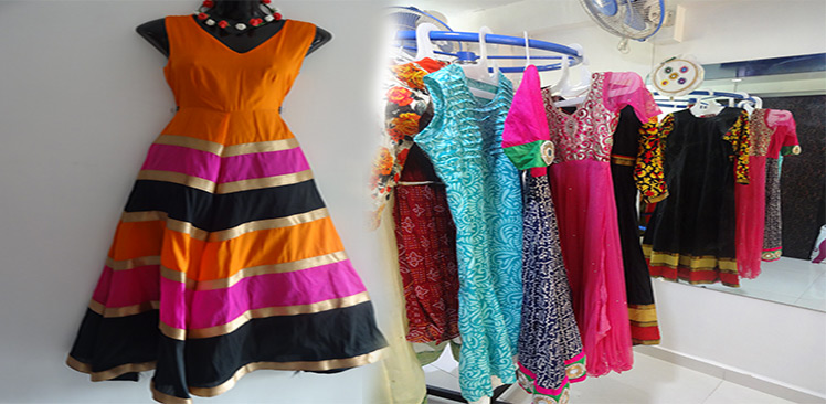Learning Fashion Oriented Courses The Students Can Go To Professional Designing Insutes In Navi Mumbai Rajraa Insute Is Counted